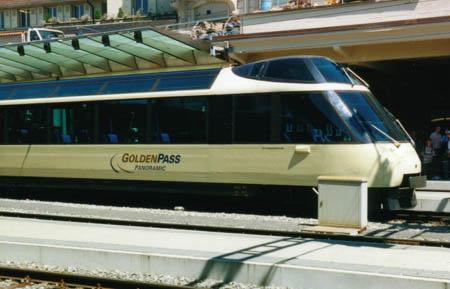 Tout d'abord un train touristique, avec ses célèbres trains panoramiques: Panoramic Express, Golden Panoramic, Crystal Panoramic et maintenant (sur la base des deux derniers) le Golden Pass Panoramic