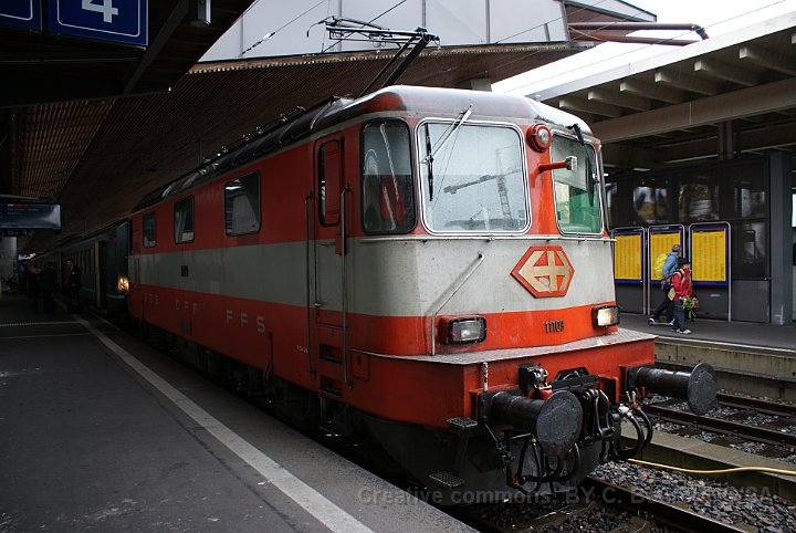 Re 4/4 II Swiss-Express après modernisation